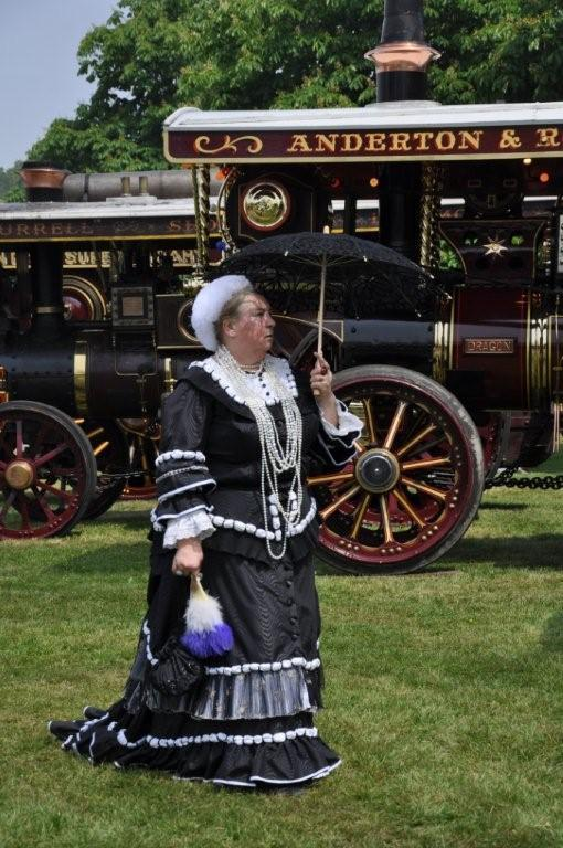 Regal visit to a Victorian steam fair